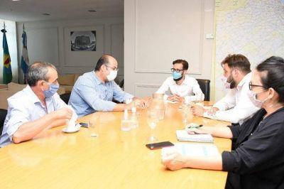 Simone recibió al intendente de Tordillo, Héctor Olivera, y al senador Gervasio Bozzano