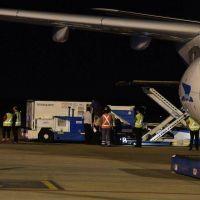 Llegó el avión de Aerolíneas Argentinas que trajo más de 900 mil dosis de la vacuna contra el coronavirus Sinopharm