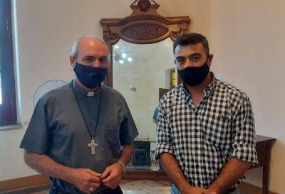 El obispo y Barrios de Pie acordaron acordaron trabajos conjuntos en los barrios del este capitalino