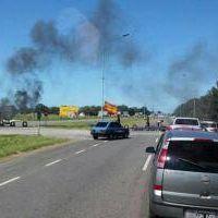 Polémica en Mar del Plata: En la Ruta 2 hubo un piquete y no dejaron pasar a dos ambulancias ni al Intendente