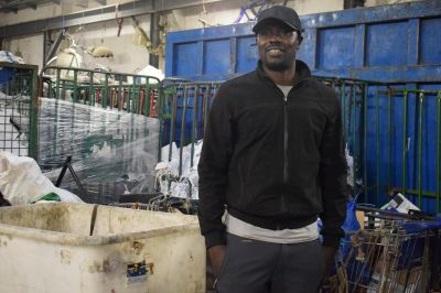 Migrantes chatarreros en Barcelona, la cara invisible del reciclaje