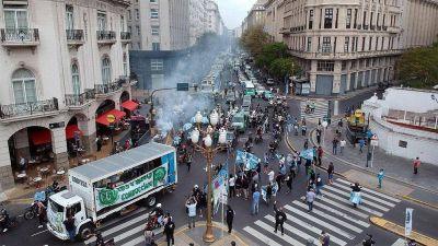 Alberto desactivó la movilización del lunes a la que apostaban la CGT, la CTA y el Frente Sindical