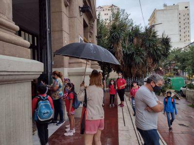 Vuelta a las aulas: Córdoba y otras 15 provincias inician hoy las clases