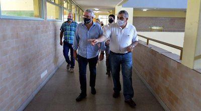 Julio Zamora supervisó más obras en escuelas de Tigre