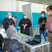 El intendente visitó a los adultos mayores en el operativo de vacunación