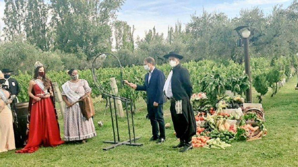 Rodolfo Suarez filmó la Bendición de los Frutos 2021: ¿qué tuiteó?