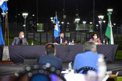 Menéndez abrió el año legislativo y anunció obras para todo el distrito