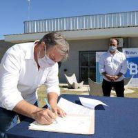 Cascallares encabezó la firma de escrituras para familias de Glew