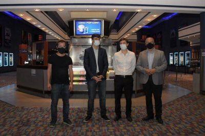 Ghi y Costa supervisaron los protocolos sanitarios para la reapertura de los cines en el distrito