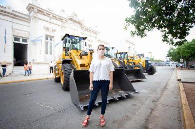 Mariel Fernández presentó nuevas maquinas viales