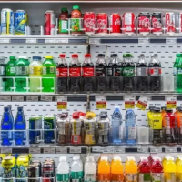 Las bebidas azucaradas, responsables del 27% de los casos de obesidad en niños y adolescentes
