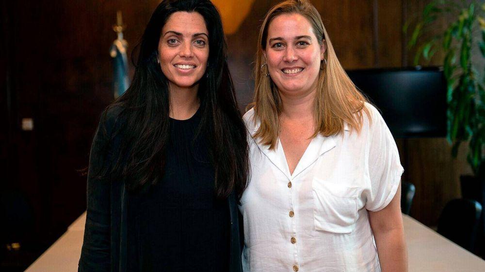 PAMI Morón: Se vacunó la Jefa Regional Valeria Zalazar como «Personal de Salud»