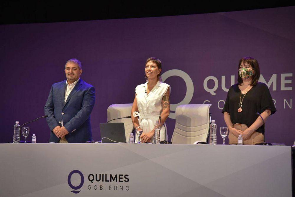 """Mayra Mendoza: """"Vienen tiempos en los que vamos a volver a sentirnos orgullosos de ser quilmeños"""""""