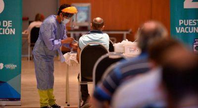 Vacunación a funcionarios y personalidades en Córdoba: la Justicia revisa una lista con 66 mil nombres