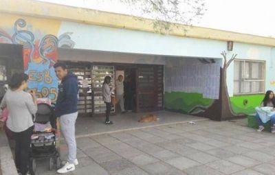 """Betina Páez: """"Las clases no están garantizadas en todas las escuelas del distrito"""""""