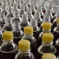 La botella de plástico que menos impacto tiene en el medio ambiente