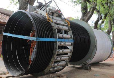 Avanza la reparación de un conducto a 11 metros de profundidad en Acassuso