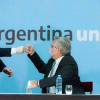 Zamora acompañó al presidente en la firma del acuerdo contra violencia de género
