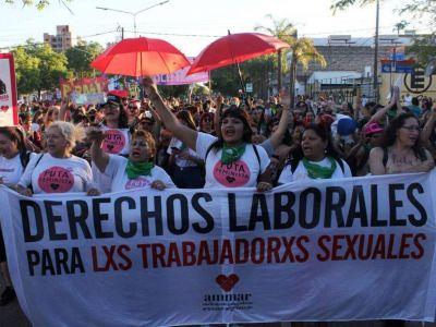 Con apoyo del gremio de meretrices, presentan proyecto para derogar contravención que penaliza el trabajo sexual callejero en la Ciudad