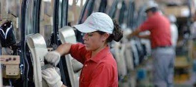 La industria emplea 20,7 por ciento de mujeres del total de sus trabajadores