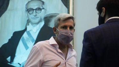 Denuncian que el gobierno de Macri espió a Maradona, Moyano y Frigerio