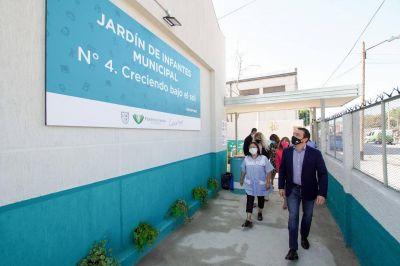 El intendente Watson inauguró nuevo jardín municipal