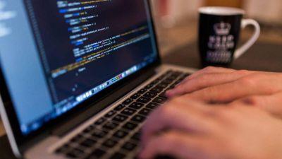 Informáticos de Río Negro y Neuquén hacen paro a tercerizada de YPF por condiciones laborales y salariales