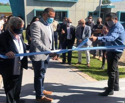 Llugdar asistió al acto de inauguración de un nuevo Centro de Salud en San Julián