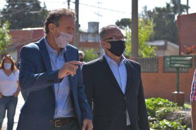 """Descalzo y Katopodis recorrieron obras en Ituzaingó: """"Generamos trabajo para los vecinos"""", destacó el ministro"""