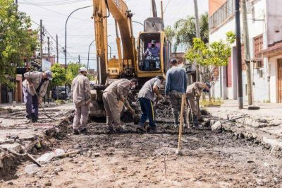 Grindetti avanza en siete obras de repavimentación en Lanús Oeste