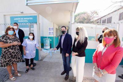 Watson inauguró el edificio del Jardín Municipal 4 en Santa Rosa