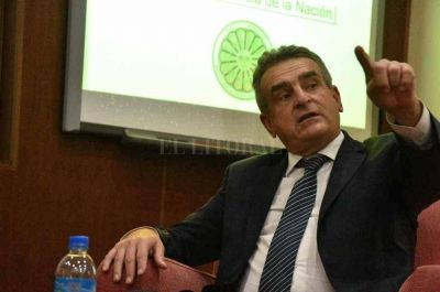 Agustín Rossi: Apoyo a la gestión de Perotti y lista de unidad en el Frente de Todos