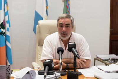 El intendente Fernández abrió el año legislativo en el HCD
