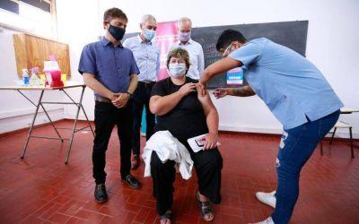 Kicillof visitó un operativo de vacunación en Berisso
