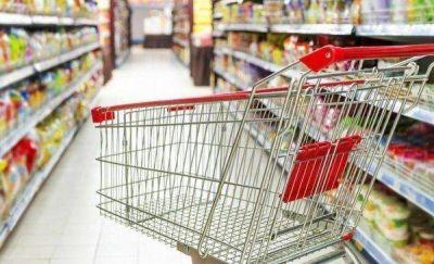 Inflación: leve retroceso de alimentos y reguladas amortiguaron el alza de precios en febrero