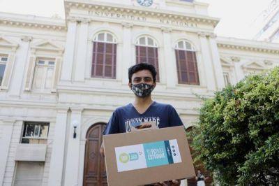La UNLP reanudó la entrega de tablets y notebooks para sus estudiantes