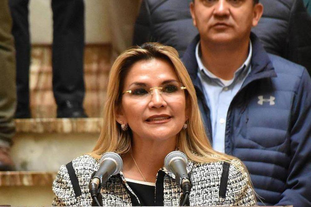 Detuvieron a la expresidenta de facto de Bolivia Jeanine Áñez