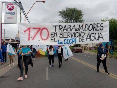 Trabajadores de la COOPI reclamaron frente al municipio la preservación de las 170 fuentes laborales vinculadas al servicio de agua