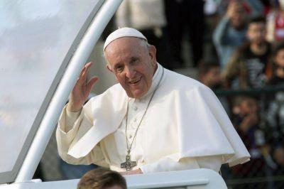 Referentes de todo el arco político y social, empresarios e intelectuales se unieron para saludar a Francisco por su octavo aniversario de papado