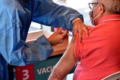 Geriátricos: ya aplicaron más de 2.000 dosis a abuelos y trabajadores