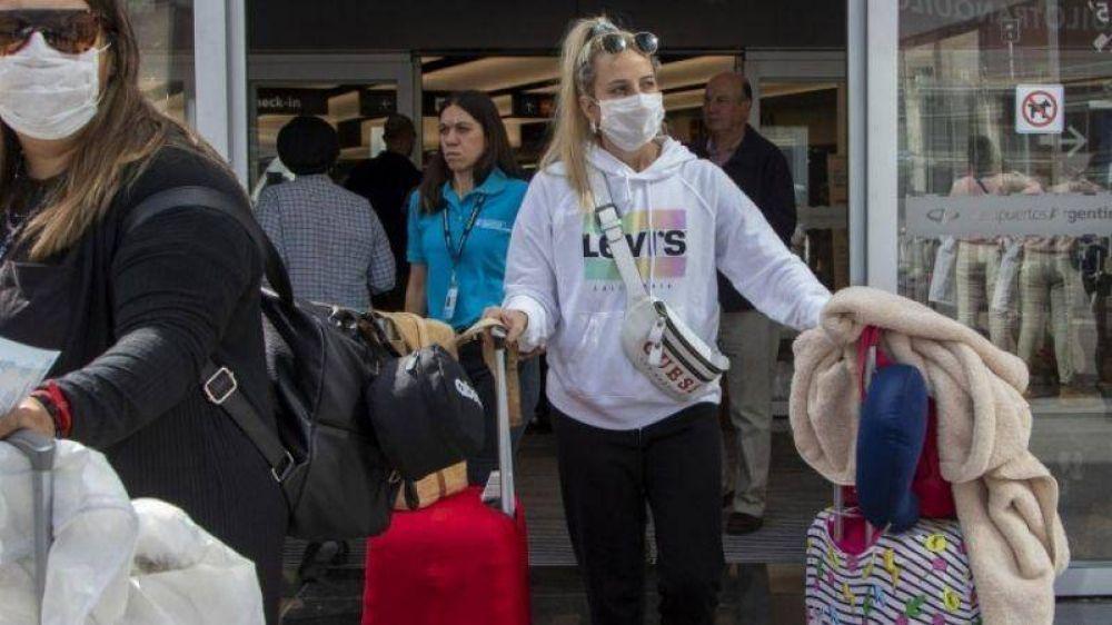 Crece la polémica por los egresados con Covid: otros 30 alumnos de Pilar volvieron contagiados
