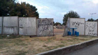 Protesta y detenciones en una plaza de Lomas de Zamora: conflicto entre el Municipio y los vecinos