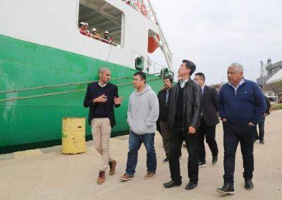 Salazar pone el eje en el puerto de San Pedro