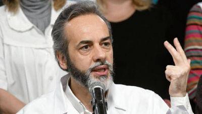 """Eduardo López: """"Mientras en la Provincia ya vacunaron a 130.000 docentes, en CABA vacunaron 130"""""""