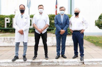 Achával recorrió junto al secretario de Industria una nueva línea de producción en el Parque Industrial