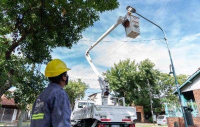 Vicente López continúa realizando el mantenimiento de luminarias