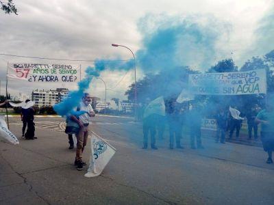 Agua: provincia citó a trabajadores de la COOPI para firmar su 'consentimiento libre y voluntario' de pasar al municipio