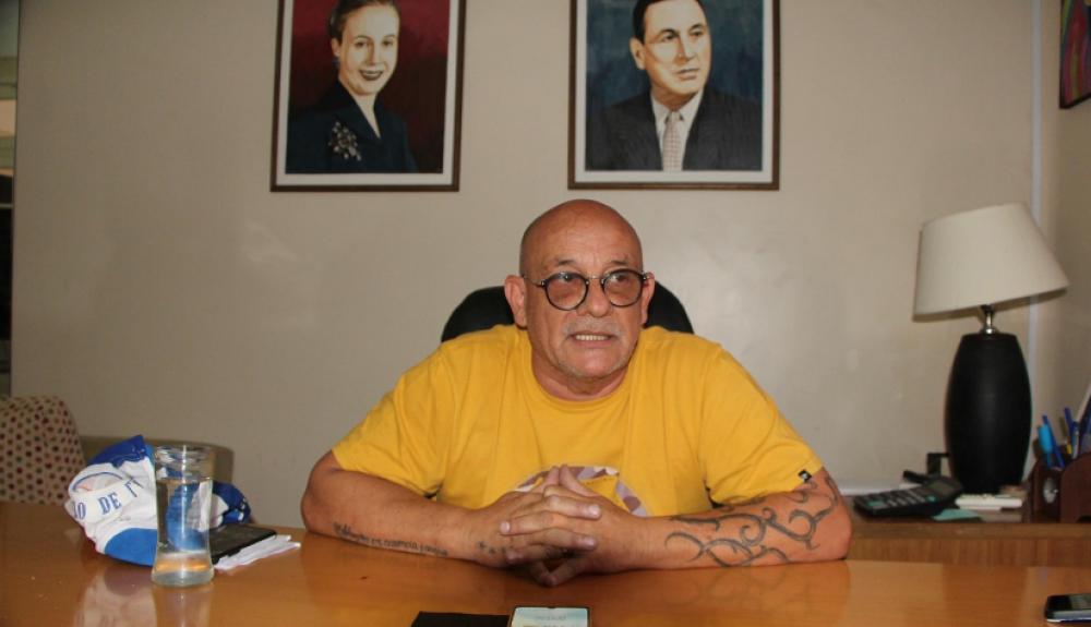 """Yolanda Saavedra sirve solamente para sacarse fotos"""