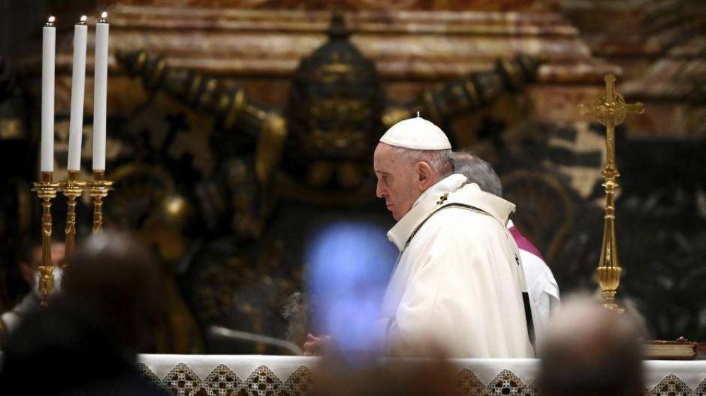 Bergoglio le pide a Biden que libere vacunas para México