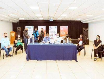"""""""Llegamos a un aumento salarial histórico para el sector docente"""""""